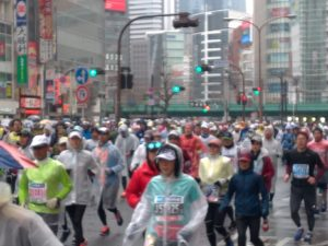 76dc1c18ec2a0e4645ecb30dd328ab0e 300x225 - 結果速報:東京マラソン2019:優勝賞金は?:現地観戦記:動画有
